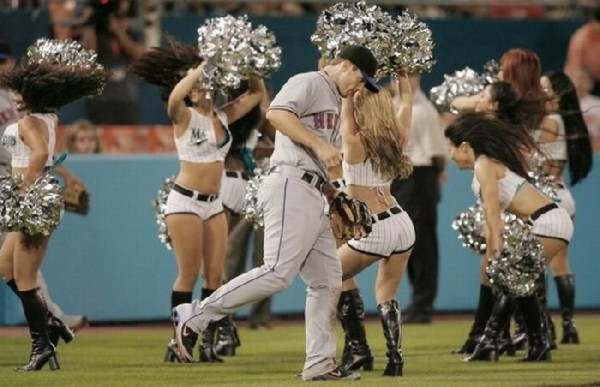 [Slika: MLB-Cheerleaders04.jpg]
